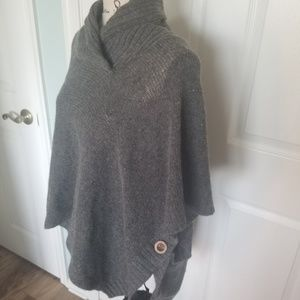 Love 4 Luck Warm Grey Poncho Size Small